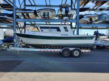 2000 Seasport 2400 Explorer