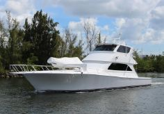 2004 Viking Enclosed Flybridge