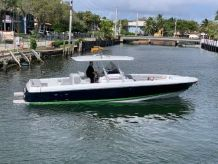2009 Intrepid 355 Open