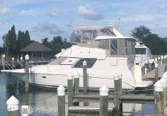 2000 Silverton 352 Motor Yacht