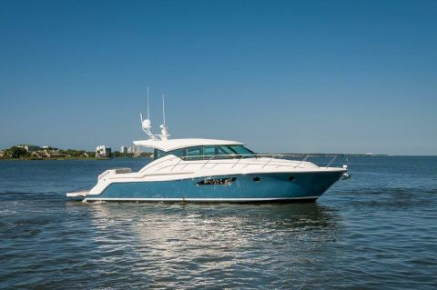2016 Tiara 44 Coupe - Starboard Profile