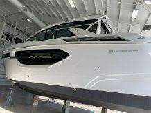 2021 Cruisers Yachts 42CANTIUS