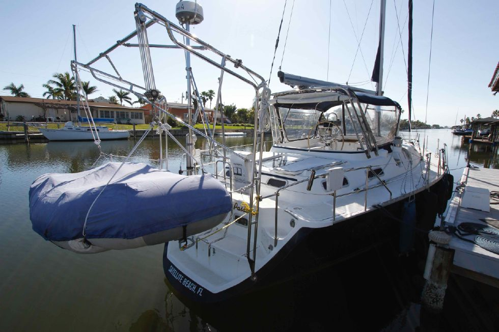 1996 Hunter 42 - Hunter 42 Davits