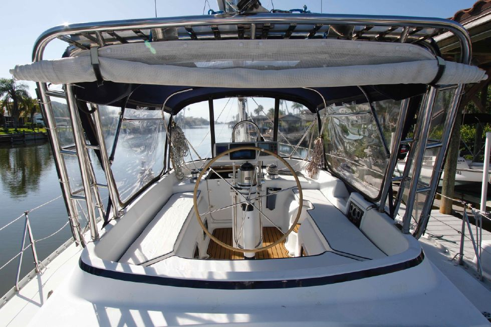 1996 Hunter 42 - Hunter 42 Full Enclosure Cockpit