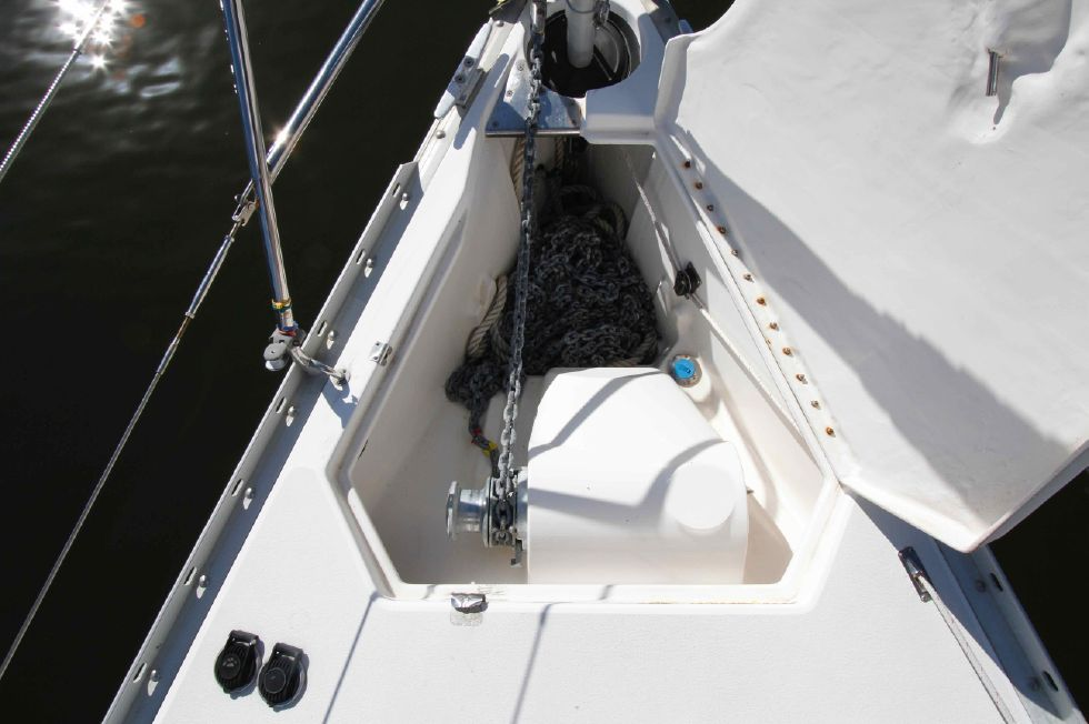 1996 Hunter 42 - Hunter 42 Anchor Locker