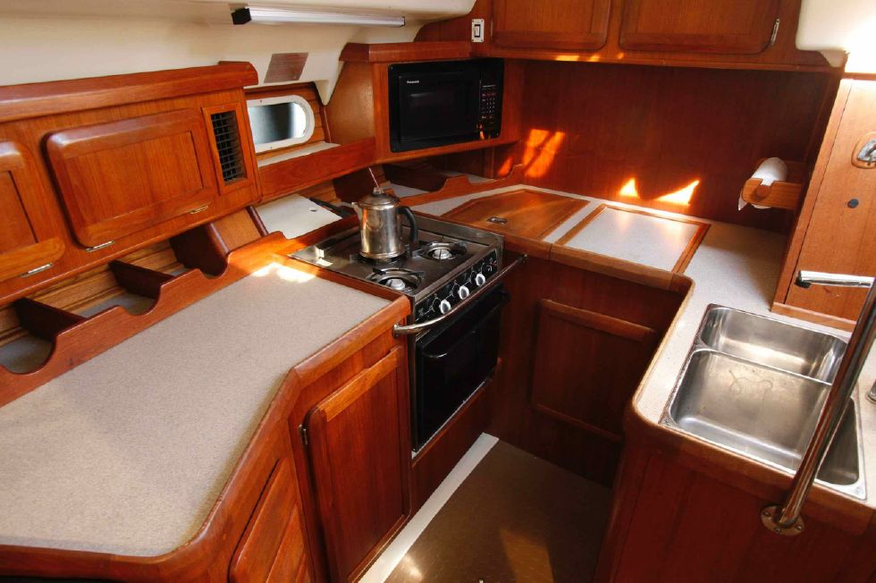 1996 Hunter 42 - Hunter 42 Galley