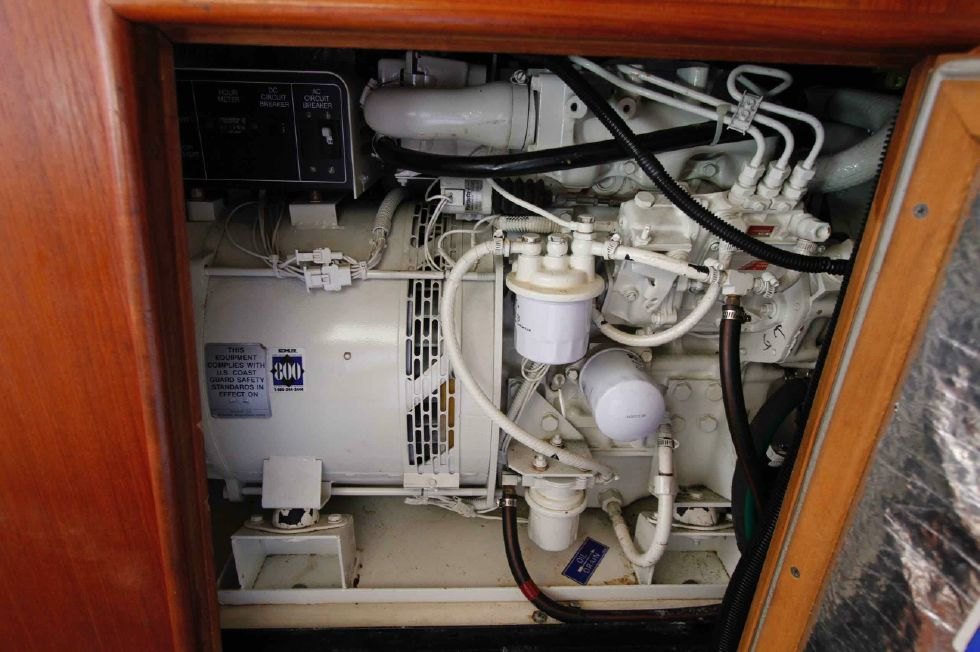 1996 Hunter 42 - Hunter 42 Koehler 8 kw Genset
