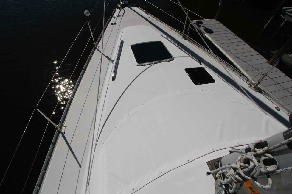 1996 Hunter 42 - Hunter 42 Foredeck w/Window Cover