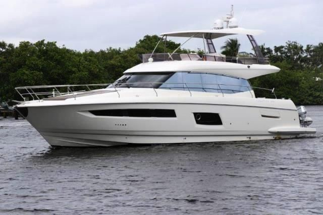 2017 Jeanneau Prestige 560 Fly Bridge