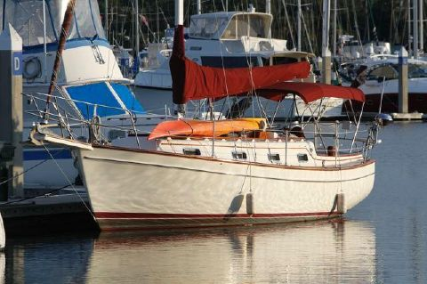 1988 Island Packet 31 Cutter