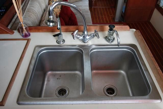 Island Packet 31 Double Stainless Sinks