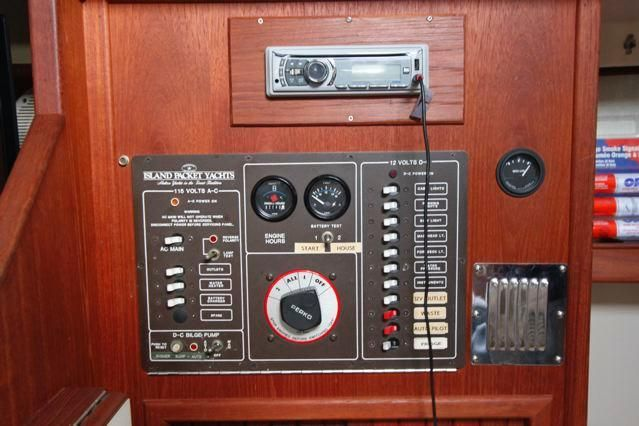 1988 Island Packet 31 Cutter - Island Packet 31 Electrical Panel