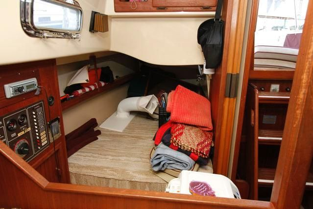 Island Packet 31 Quarter Berth