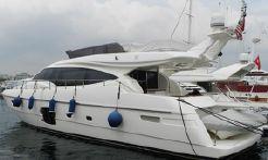 2010 Ferretti Yachts 592