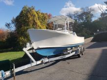 2011 Sisu Center Console & Trailer