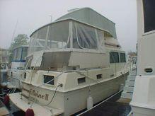 1984 Uniflite 42 Double Cabin