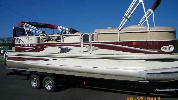 Crestliner 2685 Grand Cayman