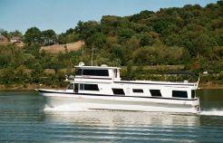 1982 Pluckebaum Yacht
