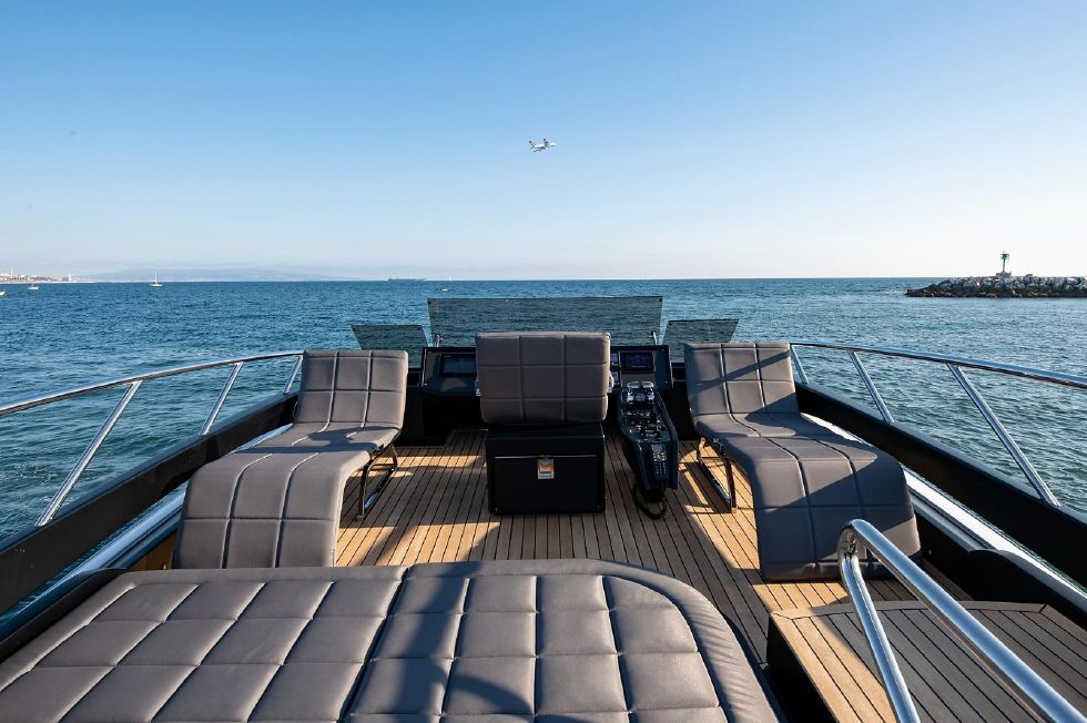 2017 Pershing 82 VHP - Pershing 82 - Upper Deck Lounge Chairs