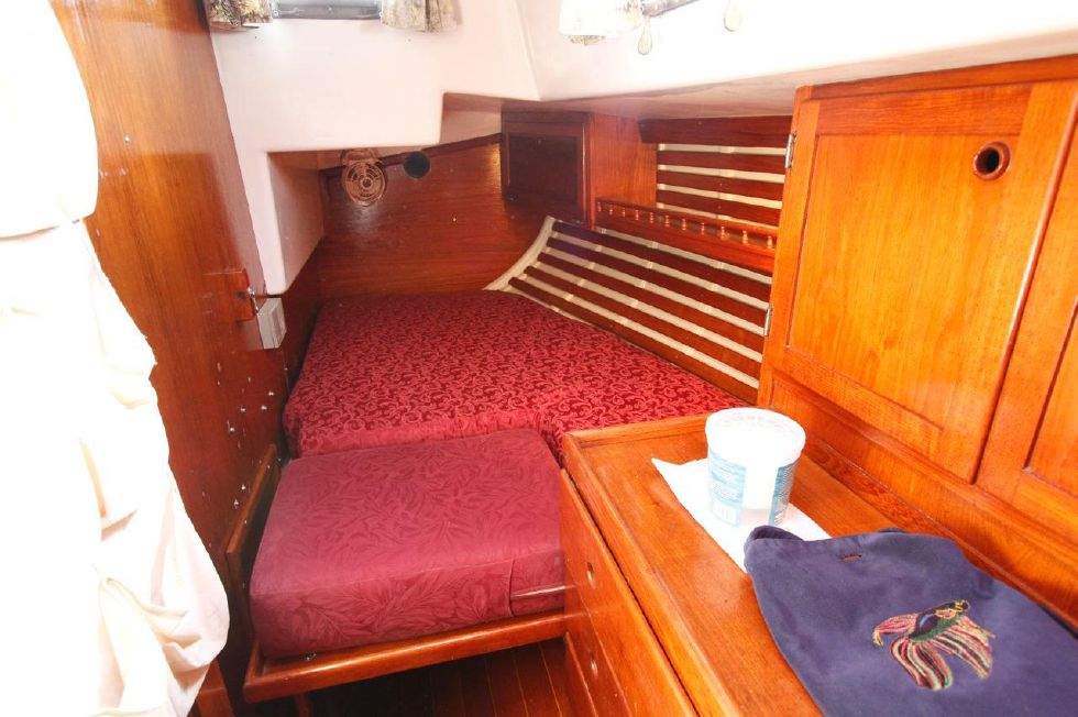 Bayfield 40 Ketch Portside Quarter Berth