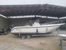 2000 Boston Whaler Outrage 26