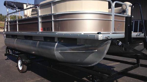 Misty Harbor 1680 RE CRUISE IMG_2758.JPG
