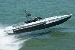 2005 Willard Marine 43 Assault