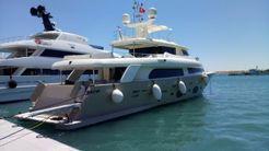2009 Ferretti Yachts Customline Navetta 33