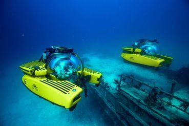 2016 Triton 3300/3 Submarine