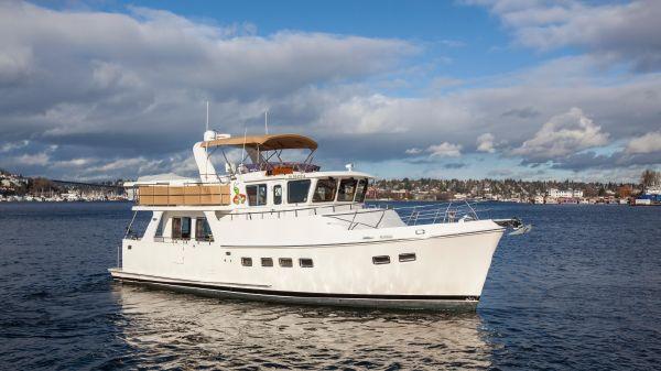 Selene Ocean Trawler Stbd profile