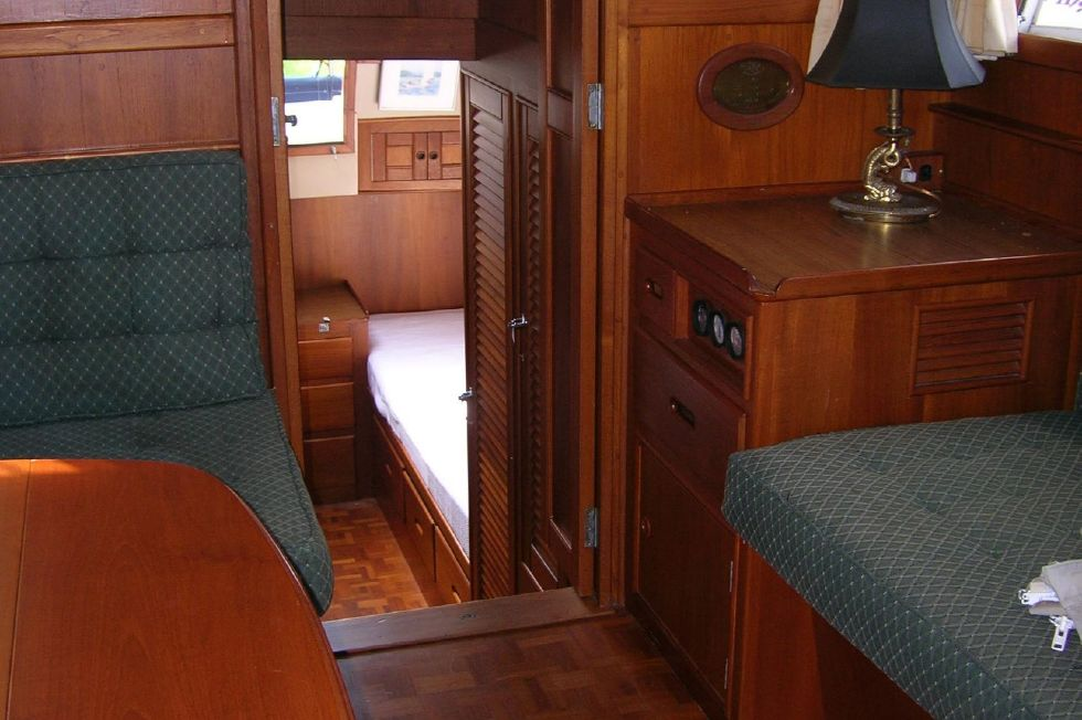 1986 Grand Banks Classic - Salon looking aft