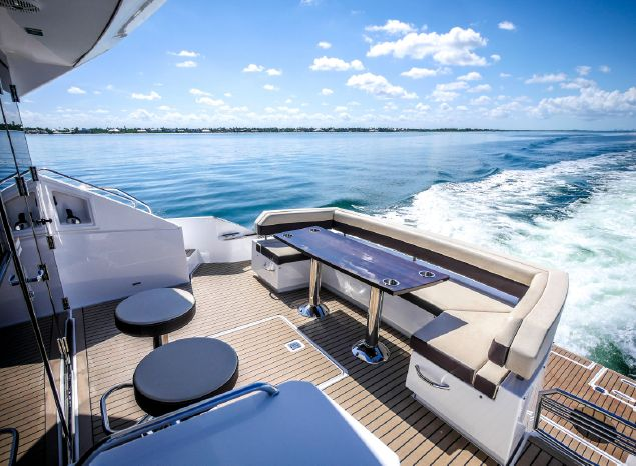 2017 Cruisers Yachts Broker Sell