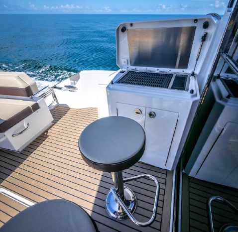 2017 Cruisers Yachts Broker Rhode Island