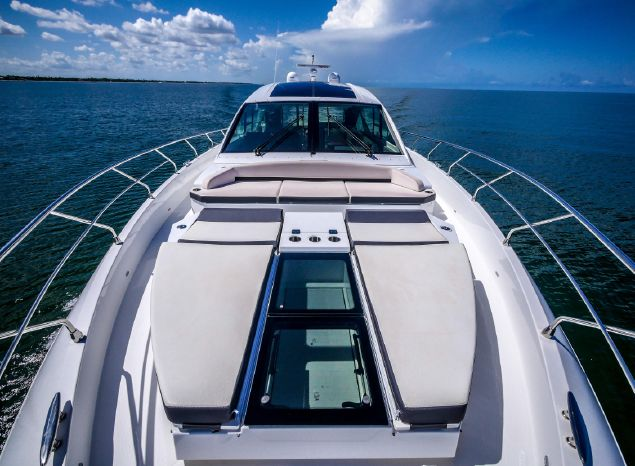 2017 Cruisers Yachts Purchase New England