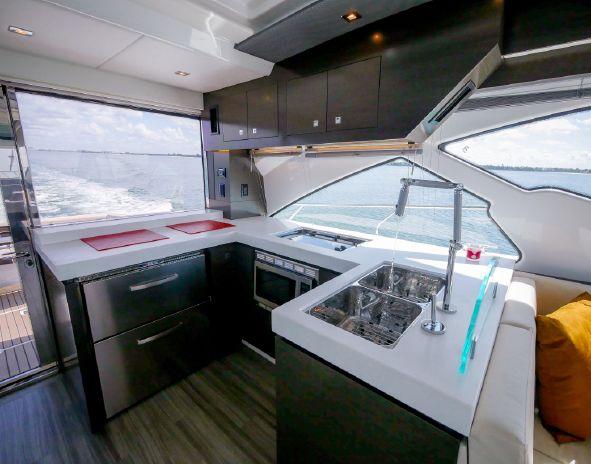 2017 Cruisers Yachts Sell Brokerage