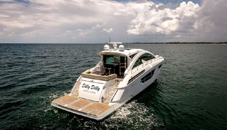 2017 Cruisers Yachts Purchase Massachusetts