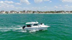 2009 Boston Whaler 345 Conquest