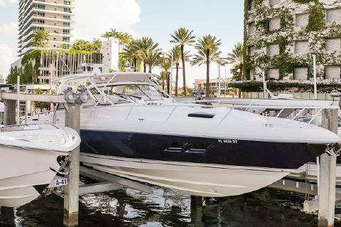 2019 Intrepid 475 Sport Yacht