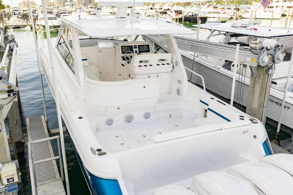 2019 Intrepid 475 Sport Yacht Miami Beach FL for sale - Next
