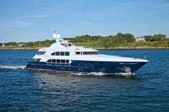 2004 Trinity Yachts Trideck