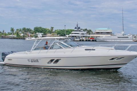 2009 Intrepid 430 Sport Yacht