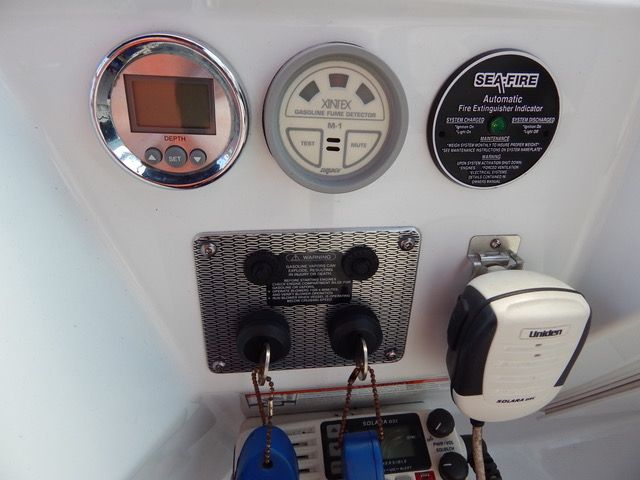 2006 Baja 405 Performance - Ignition Switches, VHF and Fire Suppressant