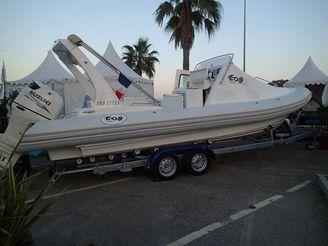 2014 Eos Boat 800