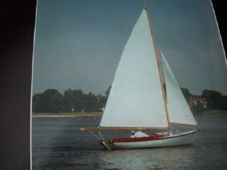 1981 Herreshoff Golden Era Petrel Daysailer