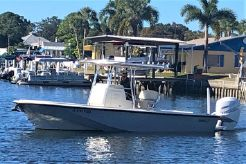 1984 Boston Whaler Outrage 25