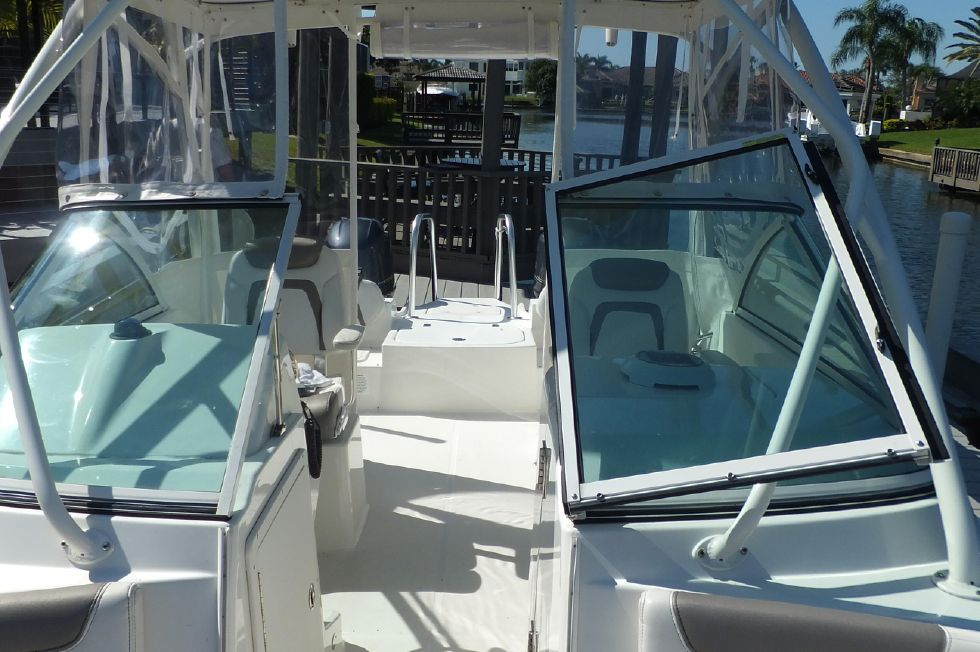 23 World Cat 230 DC Looking Aft