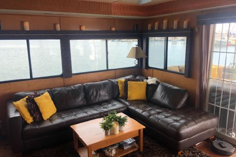 2007 Destination Yachts houseboat