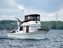 1974 Marine Trader 34 Double Cabin