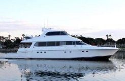 2001 Lazzara Yachts Skylounge