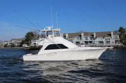 2004 Cabo 43 with Seakeeper